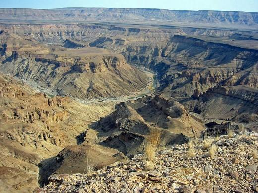 800px-Fish_River_Canyon_Namibia.jpg